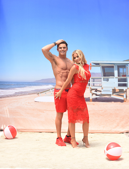 "Carmen Electra「Madame Tussauds Hollywood unveils new Zac Efron ""Baywatch"" wax figure with Carmen Electra and the men from Australia's Thunder from Down Under」:写真・画像(11)[壁紙.com]"