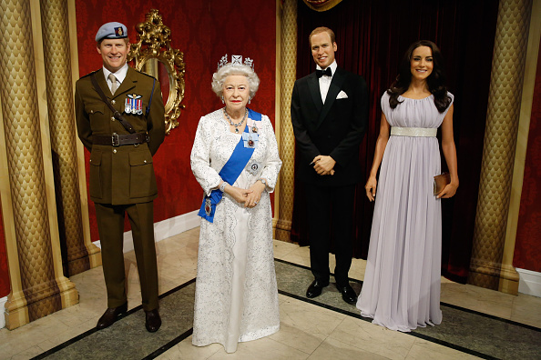 Wax「Wax Figures Of Queen Elizabeth And Prince Harry Make Debut At Madame Tussauds New York」:写真・画像(5)[壁紙.com]