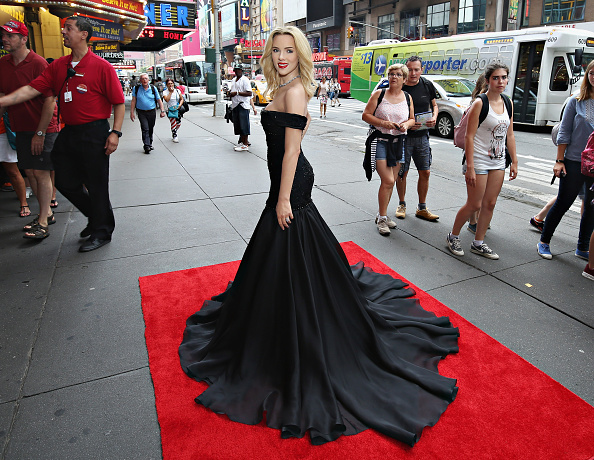 First Occurrence「Madame Tussauds New York's Unveils First-Ever Wax Figure Of Scarlett Johansson」:写真・画像(14)[壁紙.com]