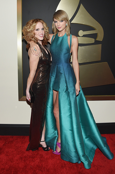 Halter Top「The 57th Annual GRAMMY Awards - Red Carpet」:写真・画像(8)[壁紙.com]