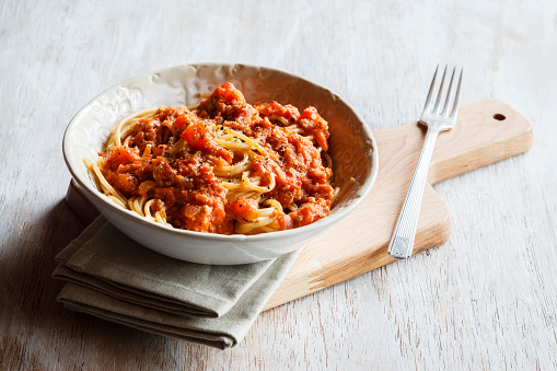 Plate「Spelt whole grain spaghetti with vegan Bolognese made of green spelt and sunflower seed」:スマホ壁紙(13)