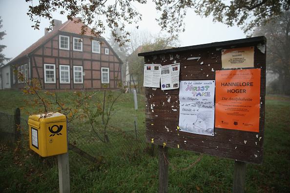 Small Office「Sumte, Pop. 102, To Receive Over 700 Migrants」:写真・画像(2)[壁紙.com]