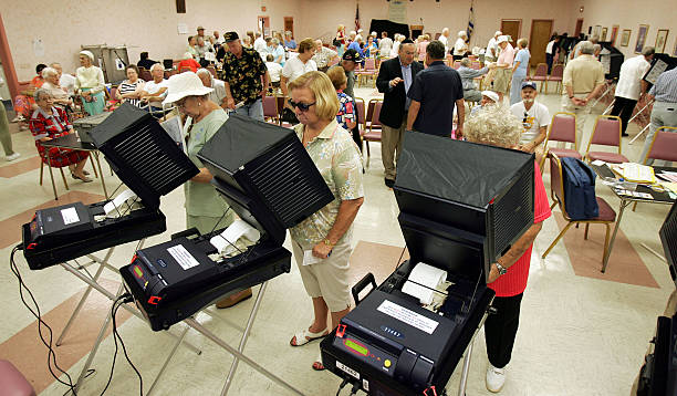 Florida Voters Go To The Polls:ニュース(壁紙.com)