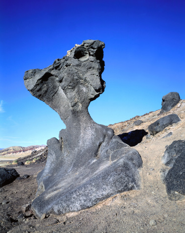 Basalt「Mushroom Rock is a basalt rock eroded by wind carrying sand. Mushroom Rock, Death Valley National Park, California.」:スマホ壁紙(8)