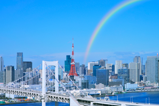 虹「Skyline of Tokyo and Rainbow bridge, Tokyo Prefecture, Honshu, Japan」:スマホ壁紙(9)