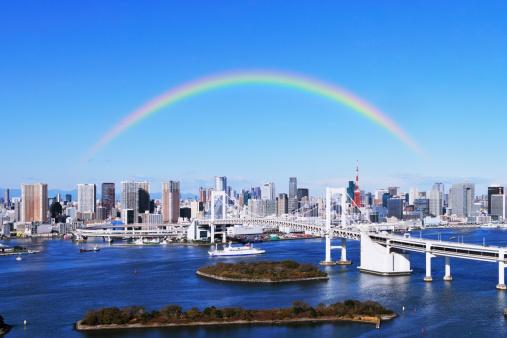 虹「Skyline of Tokyo and Rainbow bridge, Tokyo Prefecture, Honshu, Japan」:スマホ壁紙(15)