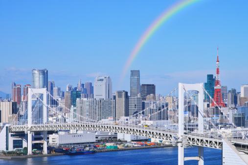 虹「Skyline of Tokyo and Rainbow bridge, Tokyo Prefecture, Honshu, Japan」:スマホ壁紙(19)