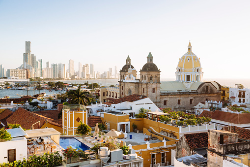 Monastery「Skyline of Cartagena with the Church of San Pedro Claver and Monastery and the modern building of Bocagrande in the background. Cartagena de Indias, Colombia.」:スマホ壁紙(18)