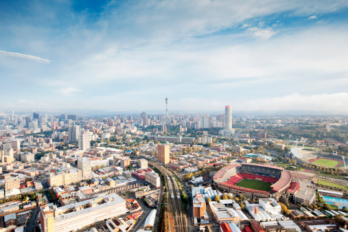 Johannesburg「Skyline of Johannesburg with Ellis park stadium, Gauteng Province, South Africa」:スマホ壁紙(7)
