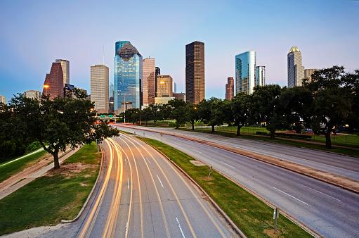 Postmodern「Skyline of Downtown Houston illuminated at dusk」:スマホ壁紙(10)
