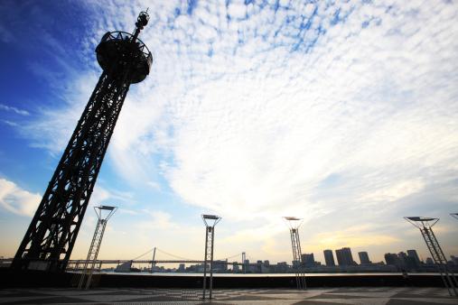 雲「Skyline of Chuo ward, Tokyo, Honshu, Japan」:スマホ壁紙(12)