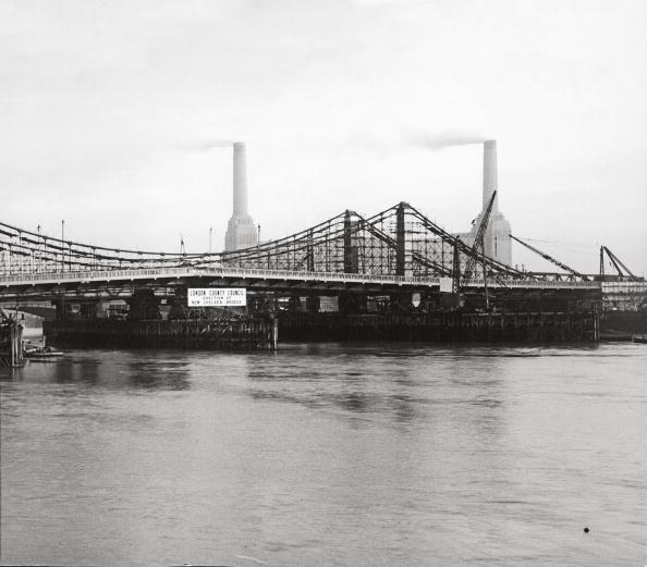 General Photographic Agency「Chelsea Bridge」:写真・画像(2)[壁紙.com]