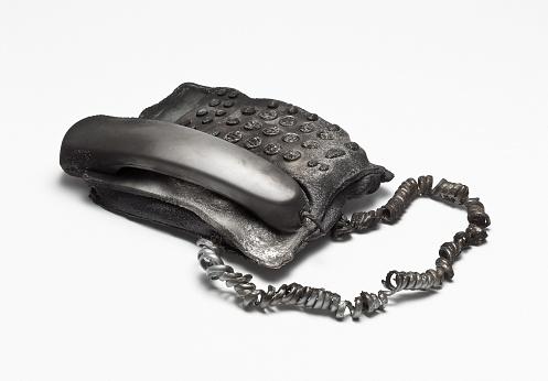 Burnt「A melted telephone」:スマホ壁紙(2)