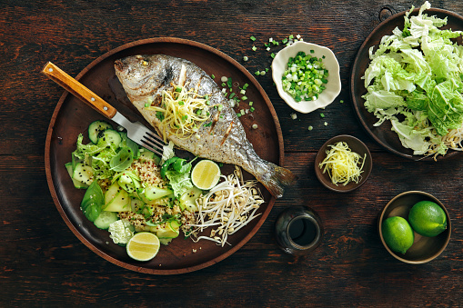 Bean Sprout「Grilled sea bream with zucchini, herbs, ginger and quinoa salad」:スマホ壁紙(16)