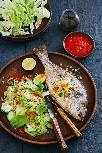 Chili Sauce「Grilled sea bream with zucchini, herbs, ginger and quinoa salad」:スマホ壁紙(14)
