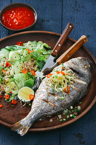Chili Sauce「Grilled sea bream with zucchini, herbs, ginger and quinoa salad」:スマホ壁紙(6)