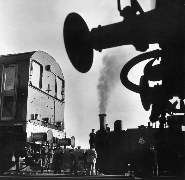 Erich Auerbach「Shunting Trains」:写真・画像(19)[壁紙.com]