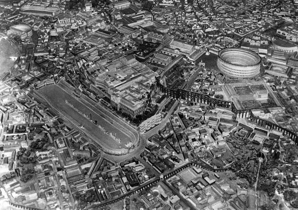 High Angle View「The Colosseum」:写真・画像(18)[壁紙.com]