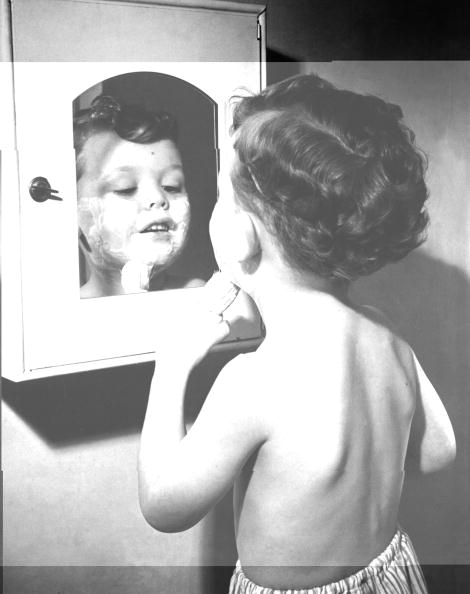Bathroom「First Shave」:写真・画像(13)[壁紙.com]