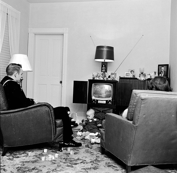 Family「Baby Television」:写真・画像(7)[壁紙.com]