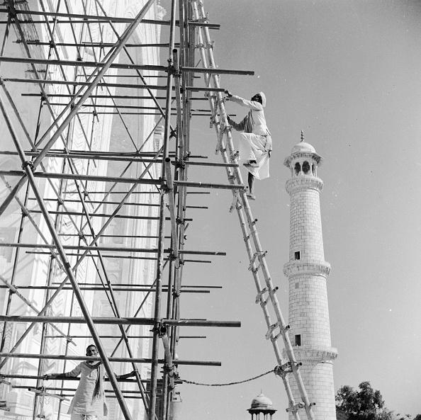 Scaffolding「Taj Mahal Repairs」:写真・画像(2)[壁紙.com]