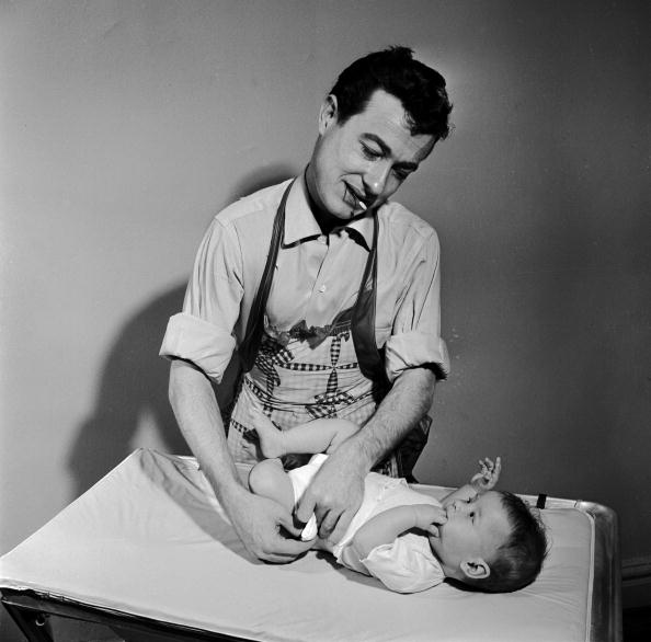 Father「Changing Nappy」:写真・画像(15)[壁紙.com]