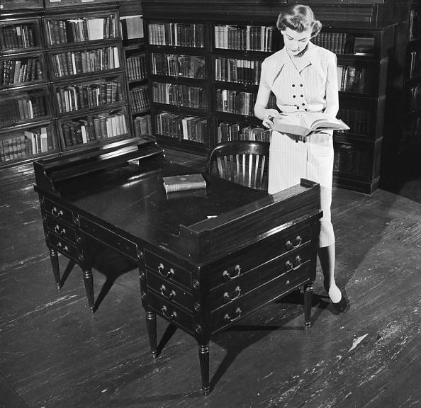 Furniture「Ancient Desk」:写真・画像(10)[壁紙.com]