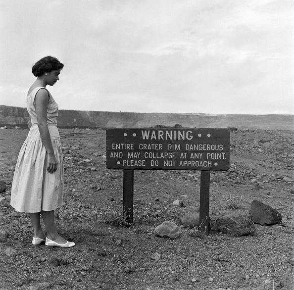 National Park「Volcanic Warning」:写真・画像(5)[壁紙.com]