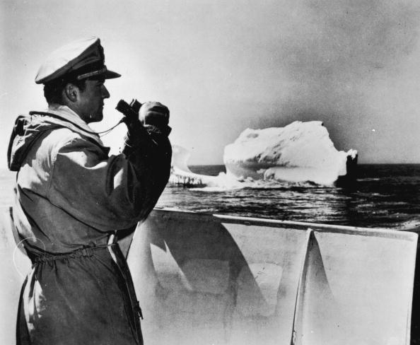 Iceberg - Ice Formation「Berg Ahead」:写真・画像(9)[壁紙.com]