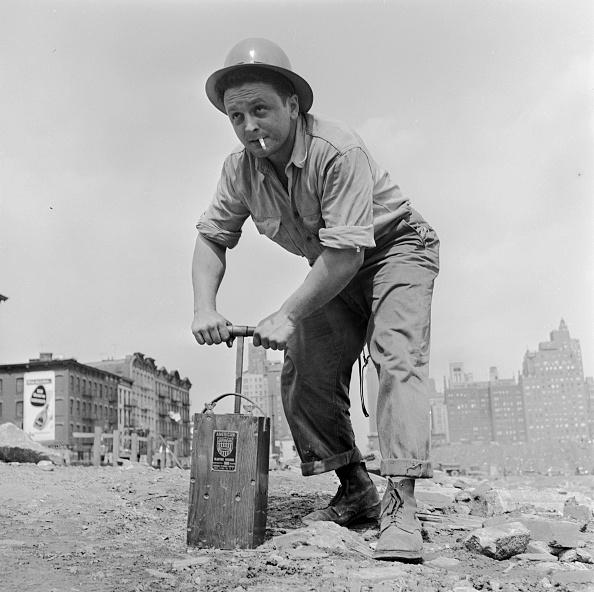 Demolishing「Quarry Worker」:写真・画像(18)[壁紙.com]