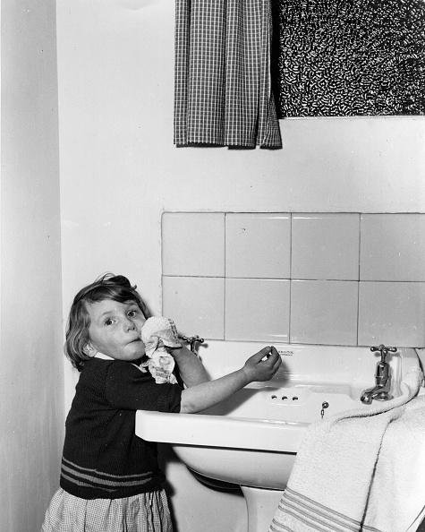 Clean「Evening Toilet」:写真・画像(9)[壁紙.com]