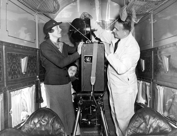 Projection Equipment「Airline Cinema」:写真・画像(10)[壁紙.com]