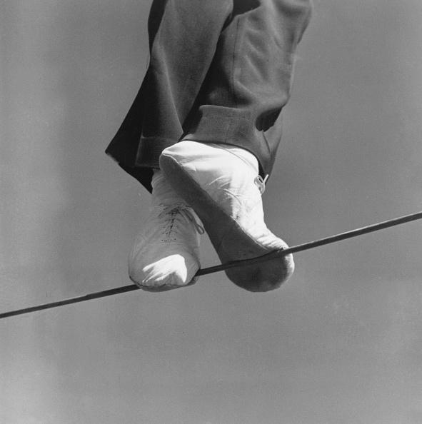 Tightrope「Highwire Walker」:写真・画像(2)[壁紙.com]