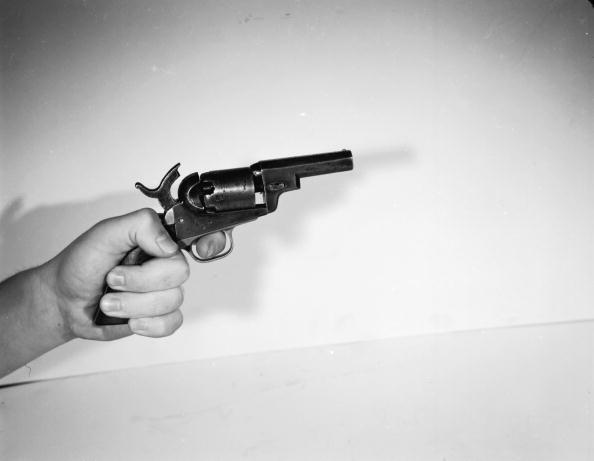 Human Hand「31 Caliber Colt」:写真・画像(0)[壁紙.com]