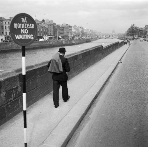 Walking「Walking By Liffey」:写真・画像(10)[壁紙.com]