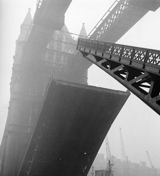George Pickow「Tower Bridge」:写真・画像(19)[壁紙.com]