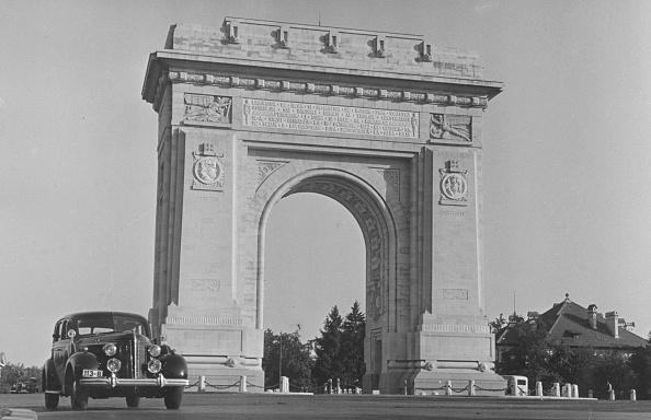 Architectural Feature「Bucharest Arch」:写真・画像(9)[壁紙.com]