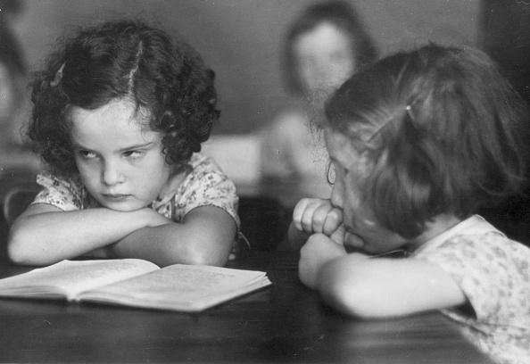 Boredom「Sulking Schoolgirl」:写真・画像(11)[壁紙.com]