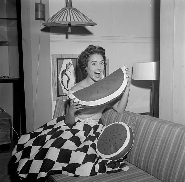 スイカ「Melon Cushion」:写真・画像(12)[壁紙.com]