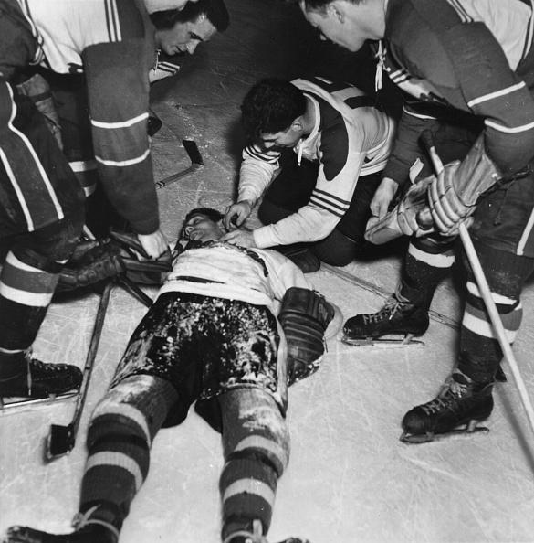 Physical Injury「Ice Hockey Accident」:写真・画像(7)[壁紙.com]