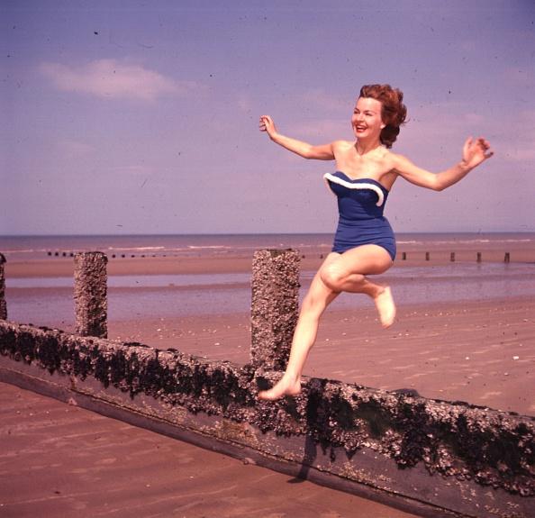 1950-1959「Beach Fun」:写真・画像(5)[壁紙.com]