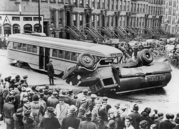 Bus「Street Accident」:写真・画像(3)[壁紙.com]