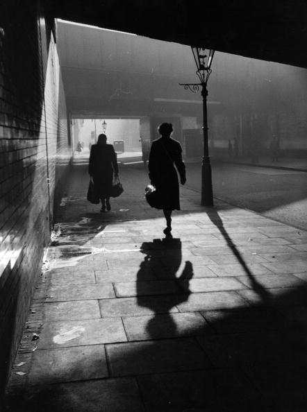 Street「Dark Walkways」:写真・画像(2)[壁紙.com]