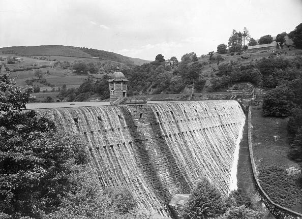 Valley「Caban Coch Dam」:写真・画像(18)[壁紙.com]