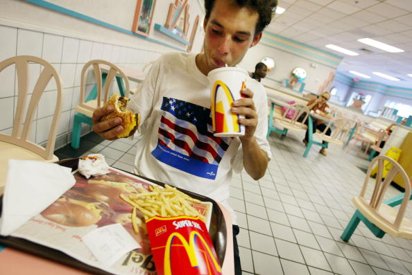 Unhealthy Eating「Obesity And Fast Food In America」:写真・画像(2)[壁紙.com]