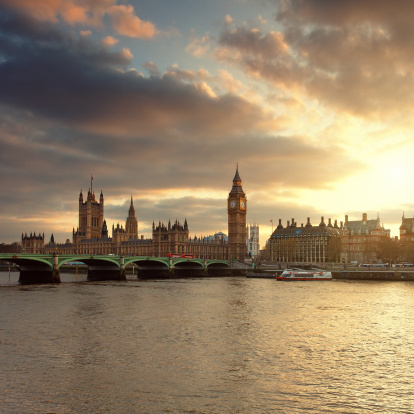 Gothic Style「Big Ben and the Parliament in London at sunset」:スマホ壁紙(18)