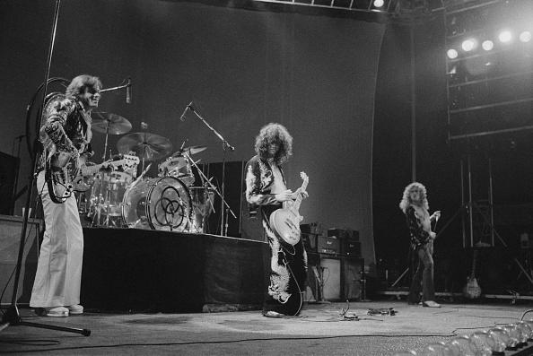 1975年「Led Zeppelin At Earl's Court」:写真・画像(19)[壁紙.com]