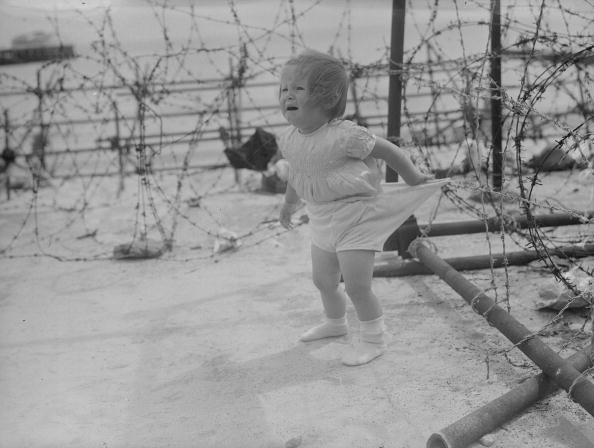 Toddler「Knicker Snag」:写真・画像(2)[壁紙.com]