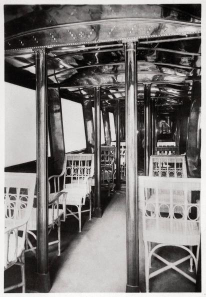 Passenger Cabin「Passenger cabin of Zeppelin LZ7 'Deutschland I', 1909 (1933).」:写真・画像(5)[壁紙.com]