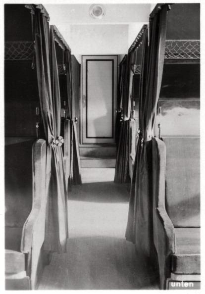 Passenger Cabin「Passenger compartment of Zeppelin LZ 126, c1924 (1933).」:写真・画像(0)[壁紙.com]